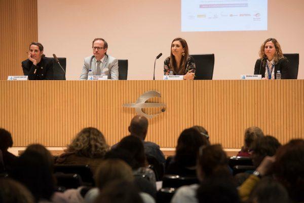 De izq a dcha: Yolanda López del Hoyo, Miguel Ángel Santed, Mónica Valero, Cristina Jardón.
