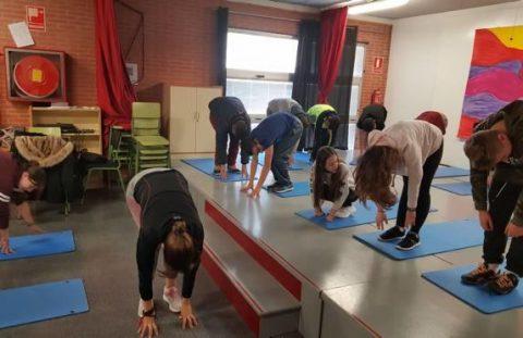 El IES de Tavernes Blanques, implanta yoga en su horario lectivo